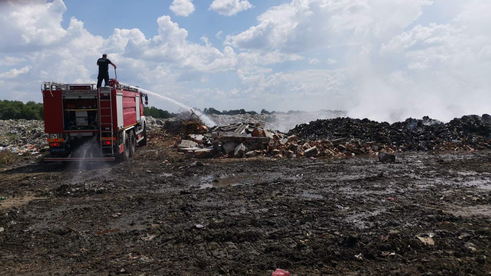 Deponija Kačarevo gašenje