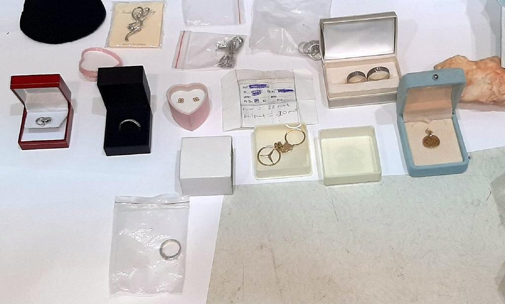 Krijumčareno drago kamenje i nakit