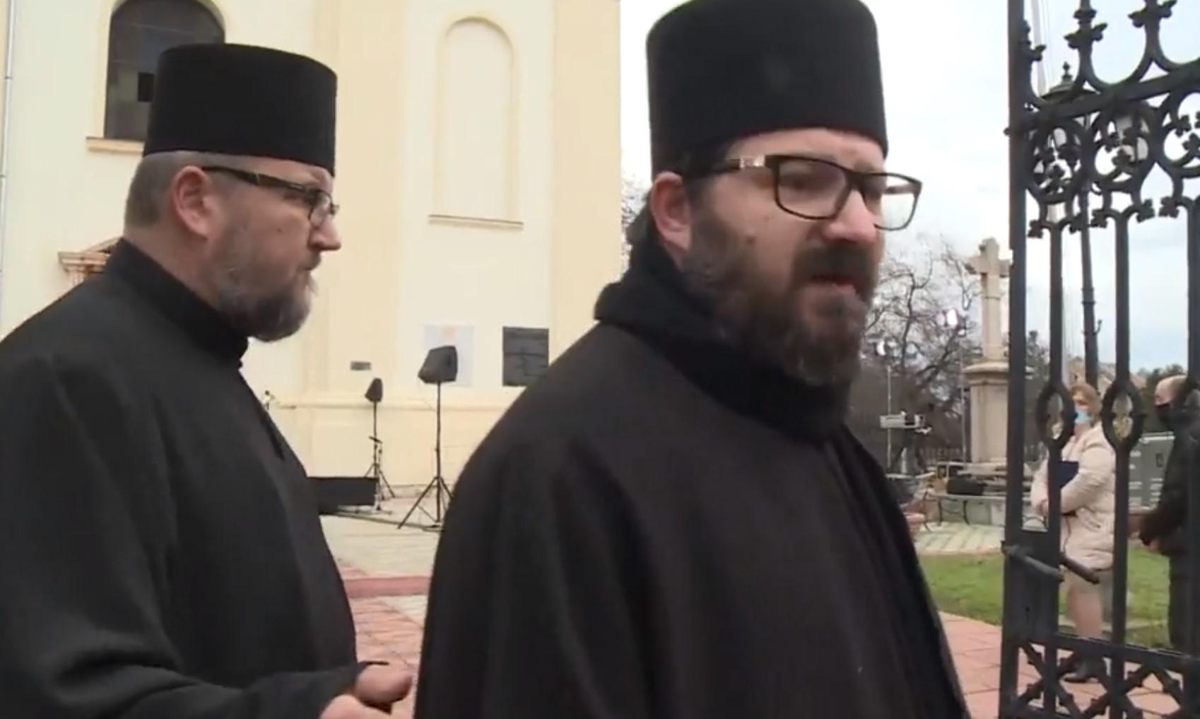 Sveštenici u Srbobranu