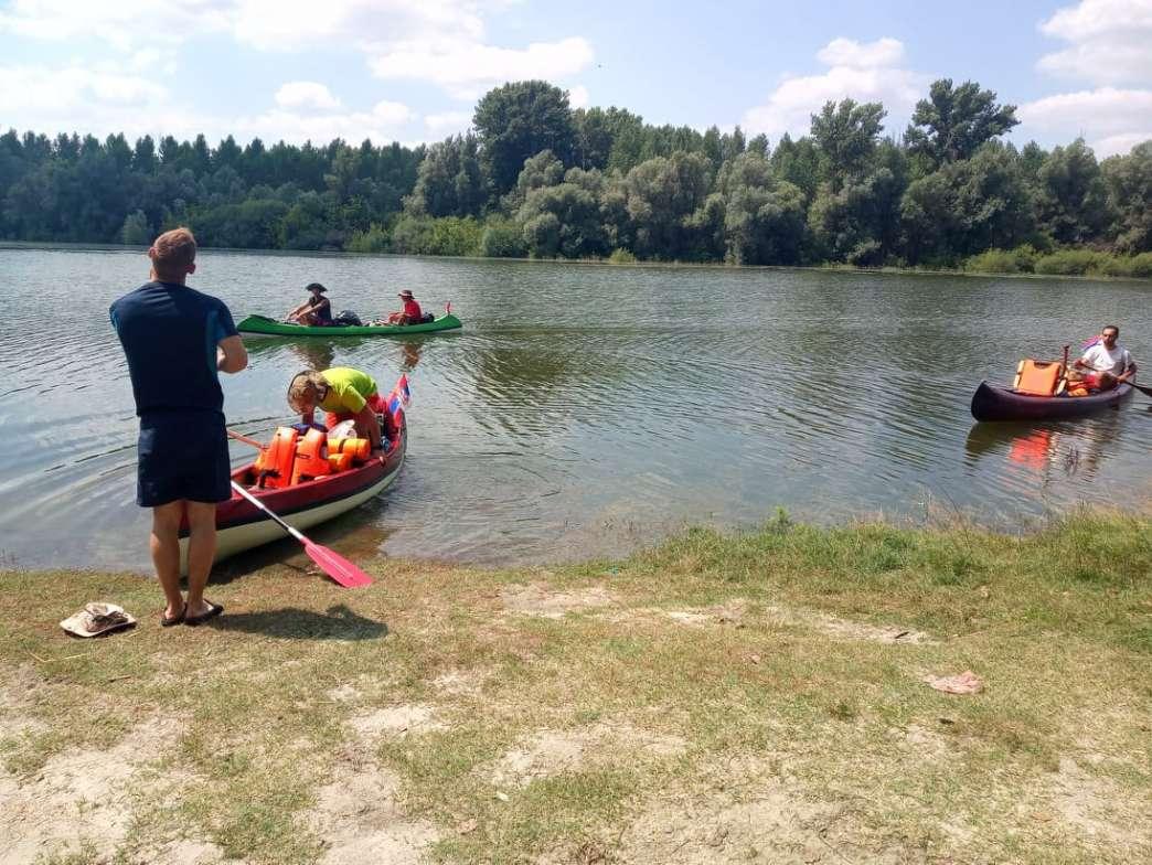 Pančevci veslaju Dunavom