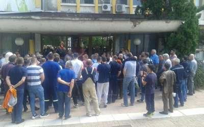Protest ispred Azotare