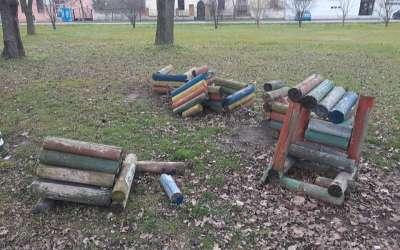 Deče igralište uništeno